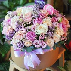 Very Pretty Colours & Arrangement. Flower Box Gift, Flower Boxes, Peonies Bouquet, Floral Bouquets, Floral Wreath, Beautiful Flower Arrangements, Floral Arrangements, Amazing Flowers, Beautiful Flowers