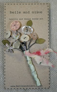 Your place to buy and sell all things handmade Vintage Button Bouquet Brooch Buttonhole Spray. by belleandolive Button Bouquet, Button Flowers, Button Cards, Button Button, Fabric Brooch, Brooch Bouquets, Look Vintage, Fabric Jewelry, Vintage Buttons
