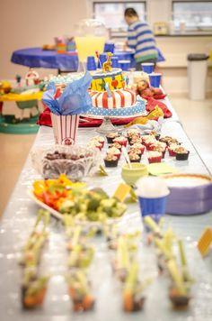 Mamas Like Me: carnival food theme