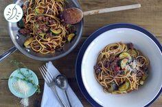 Bolognaise au Bœuf aux Zucchinis et au Thym Spaghetti, Ethnic Recipes, Food, Kitchens, Essen, Meals, Yemek, Noodle, Eten