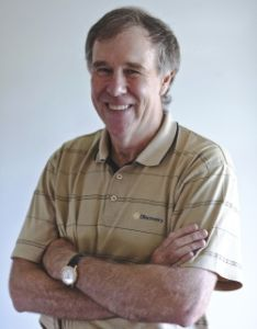 Interview with Dr. Tim Noakes: Hydration, The Role of the Brain in Racing, and His Latest Findings on Carbohydrates for Runners