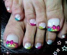 Nails Pedicure Designs, Pedicure Nail Art, Toe Nail Designs, Gel Nails, New Nail Art, Cute Nail Art, Love Nails, Pretty Nails, Daisy Nails