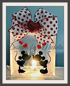 This Mickey and Minnie Glass Block is the perfect night light or accent piece to any table of counter for every Disney Lover. It makes a great Valentine season decorating accent piece or is the perfec