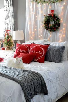 Además del salóno el recibidor, la decoración navideña puede llegar a otras estacias de la casa. ¿Te animas a probar con tu habitación? ¡Te sorprenderás del resultado!