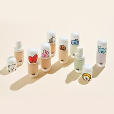 Moisturising base makeup that can give you flawless coverage as well as keep your skin sufficiently hydrated. Bangtan Army and Asian Beauty fans rejoice! BTS x VT's new collaboration is a cosmetic collection that was just released! Asian Makeup, Korean Makeup, K Pop, Bts Doll, Bts Makeup, Make Up Gesicht, Lip Lacquer, Bts Merch, Line Friends