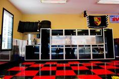 Moduline garage -- Smart garage storage ideas for your awesome set up? Let us be a resource garagesmart.com.au/
