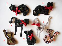 Gata Negra brooches!   Those cats are waiting for their owners!