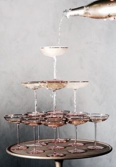 Retro meets modern wedding inspiration in sparkling shades of blush, champagne, gold, and copper just in time for New Year's Eve! Cheers, Champagne Tower, Champagne Fountain, Rose Champagne, Champagne Images, Champagne Coupe Glasses, Vintage Champagne Glasses, Cocktail Images, Champagne Saucers