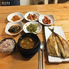 이것만은 꼭! 리얼 제주 먹방 여행 -제주시 : 네이버 포스트 Ramen, Beef, Japanese, Ethnic Recipes, Food, Vacations, Meat, Japanese Language, Ox