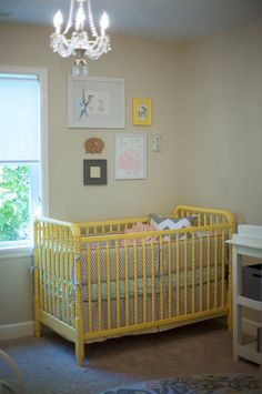 Yellow cribs make me some kind of happy!