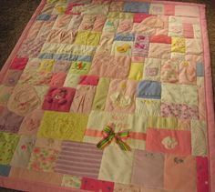 Baby Clothing Quilt - http://www.jellybeanquilts.com so cute!!