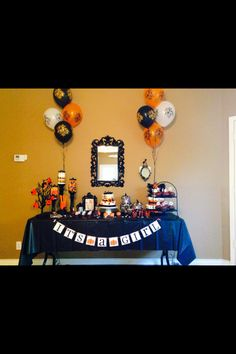 Halloween baby shower theme by Patricia Zamarrippa. Our new party planner! Love her!❤️