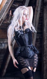 Gothic and Amazing Dark Beauty, Goth Beauty, Hot Goth Girls, Gothic Girls, Steam Girl, Steam Punk, Dark Fashion, Gothic Fashion, Emo Fashion