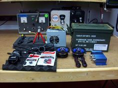 How-to make a ammo can boom box. A cool ammo can speaker box you can make yourself Diy Electronics, Electronics Projects, Radios, Diy Boombox, Diy Speakers, Bluetooth Speakers, Music Speakers, Ammo Cans, Electrical Projects