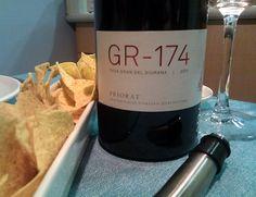 #avuitastem un GR-174, 2011 Priorat Bottle, Twitter, Big Houses, Wine, Flask