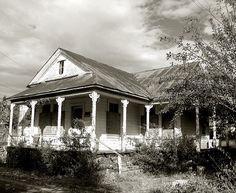 1800's abandoned farmhouse