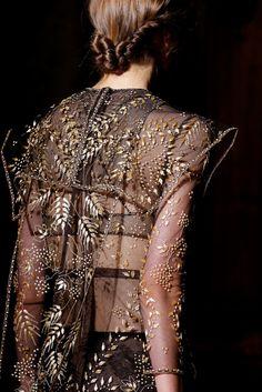 ENHANCE U FASHION DETAIL Valentino Haute Couture Runway Designers