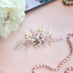 25 отметок «Нравится», 1 комментариев — СВАДЕБНЫЕ УКРАШЕНИЯ, ОБОДКИ (@muza_accessories) в Instagram: «Гребешок малышок в красивых оттенках нежно-розового цвета А как это все сочетается с речным…»