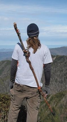 Walking/Hiking Stick Sling (Over the Shoulder) *** You can get more details here : Camping stuff Walking Sticks For Hiking, Handmade Walking Sticks, Wooden Walking Sticks, Walking Sticks And Canes, Walking Canes, Bushcraft Camping, Camping Survival, Outdoor Survival, Survival Gear