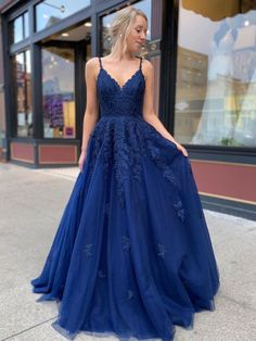 Dark blue lace tulle long prom dress dark blue bridesmaid dress can find Formal gowns and more on our website.Dark blue lace tulle long prom dress dark blue b. Dresses Elegant, Pretty Prom Dresses, Prom Dresses Blue, Formal Evening Dresses, Women's Dresses, Dress Formal, Dress Prom, Prom Dresses Long Modest, Dark Blue Dresses