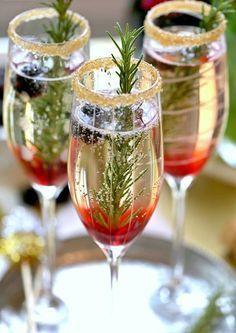 Wedding Drink Ideas: Blackberry Ombre Sparkler – www.diyweddingsma… Wedding Drink Ideas: Blackberry Ombre Sparkler – www. Champagne Cocktail, Cocktail Drinks, Fun Drinks, Alcoholic Drinks, Beverages, Cocktail Recipes, Champagne Toast, Mocktail Bar, Alcoholic Drink Recipes