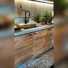 Cozinha contemporânea, com bancada cimentícia e madeira rustica! ❤  Projeto de Marina Linhares para a Casa Cor de São Paulo 2015 #cozinha #casacor #Brasil