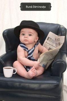 Adorable fotos cute baby pictures, baby y newborn photos. Newborn Baby Photography, Newborn Photos, Children Photography, Funny Photography, Photography Ideas, Cute Babies Photography, Sport Photography, So Cute Baby, Cute Baby Smile