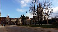 Ogni tanto torno in sede per ricordarmi di quanto sia bella.  #unicatt #cattolica #ucsc #facciolacattolicamasonopovera #poveri #unicazz #milano #milanodavedere #milanostupendaufficiale #milan by greta_mb