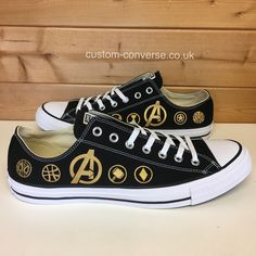 Classic black low top Converse trainers hand painted with a gold Avengers logo an selection of Avengers team symbols. Disney Converse, Disney Shoes, Converse Shoes, Converse Trainers, Sneakers, Marvel Shoes, Marvel Clothes, Custom Converse, Custom Shoes