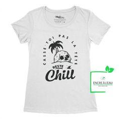 Casse toi pas la tête reste #chill #cotonouaté #quebecoise #quebec #achatlocal #modequébécoise #hoodie #hoodies #tabarnak Creation T Shirt, Shirts With Sayings, Chill, Black Print, Size Chart, Prints, Mens Tops, Tees, Canada Post