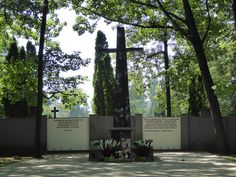 Warsaw Insurgents Cemetery. This is the largest burial site of victims of the Warsaw Uprising - approximately 104,000 people (mainly persons unknown) are buried in the cemetery, mostly in collective graves.