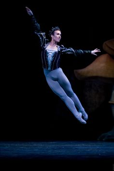 Pacific Northwest Ballet, George Balanchine, Ballet School, Midsummer Nights Dream, Swan Lake, Romeo And Juliet, Trust, Dancer, American