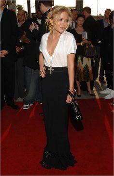 Mary Kate Olsen in maxi skirt Maxi Noir, Look Fashion, Fashion Outfits, Olsen Fashion, Fashion Advice, Fashion Ideas, Casual Outfits, Maxi Skirt Outfits, Maxi Skirts