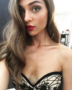 Magdalena Zalejska Gal Gardot, Beautiful Eyes, Female Characters, Beauty Women, My Hair, Fashion Models, Sexy Women, Hair Color, Artemis