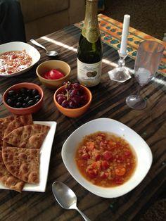 A Family Friendly Easter Passover Dinner + Printable Program from SoFestive.com