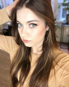 Are you finding Height, Weight, Wiki, Age, Family Biography etc of Afra Saraçoglu? Stylish Girls Photos, Girl Photos, Hijab Fashionista, Hottest Female Celebrities, Turkish Beauty, Female Actresses, Hair Color For Black Hair, Turkish Actors, Pretty Face