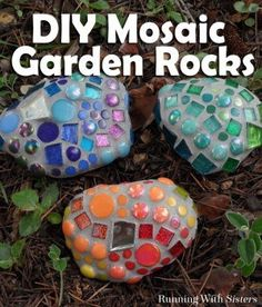 Mosaic Garden Rocks How To Make Garden Mosaics is part of garden Crafts DIY - Make mosaic garden rocks to add a pop of color to the garden We'll show you how to glue the tiles and mix the grout A great DIY mosaic project for anyone! Mosaic Garden Art, Mosaic Art, Mosaic Glass, Easy Mosaic, Mosaic Mirrors, Stained Glass, Mosaic Crafts, Mosaic Projects, Garden Projects