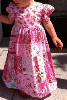 Das war das letzte Hochzeitskleid, das hab ich noch mit meiner Mama zusammen genäht! Jetzt passt es schon unserer Kleinen...wow!