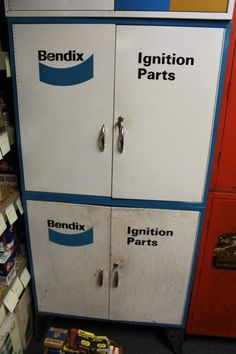 Vintage Bendix Ignition Auto Advertising Sign/parts Cabinets