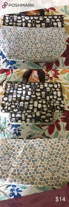 Thirty One insulated lunch tote Has an exterior pocket and large inside. Shows signs of wear at the bottom. Thirty One Bags