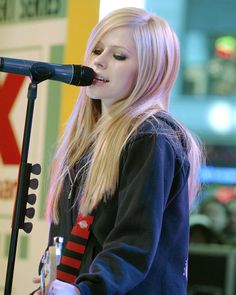 Avril Lavigne Singing On Stage Color Photo Or Poster