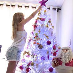 Com a correria de trabalhos ainda não tive tempo de decorar meu Apê para o natal vou fazer isso na segunda Feira, vocês gostariam que eu filmasse? No canal tem 2 vídeos de decorações, uma do ano passado e outra de 2012 (que é essa da foto)