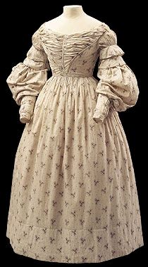 1830 extant dress, pleated front, ruffles above collapsed sleeves