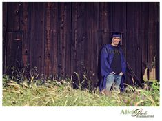cap n gown senior pictures-murrieta senior guy photos Baseball Senior Pictures, Unique Senior Pictures, Guy Pictures, Volleyball Pictures, Softball Pictures, Cheer Pictures, Photography Senior Pictures, Senior Photos, Senior Portraits