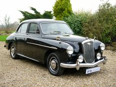Used in Northampton, Northamptonshire Vintage Cars, Antique Cars, Morris Minor, Bus Coach, New Tyres, Best Investments, Manual Transmission, Coaches, Old Cars