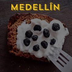 ¡En @vitaintegralmed encuentra nuestra variedad de productos sanos y fresquitos! 🔸Waffles de harina de almendras para tus desayunos cuando no tienes mucho tiempo. Sólo caliéntalos y agrega fruta a tu gusto. Tendrás así de rápido grasas buenas (almendras), fibra (fruta) y proteína (claras de huevo y almendras) en porciones adecuadas. 🔸Pan Paleo para una dieta baja en carbohidratos sin que pases hambre. ¡Es ideal para una cena! Puedes usarlo para sándwich, sólo agrega verduras y alguna…