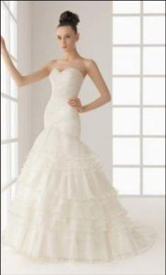 679157587b 52 Best Vestidos de novia con escote corazon images
