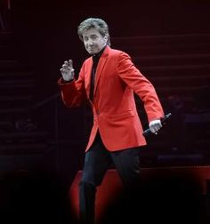 Barry Manilow P27