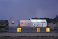 Unapologetically Plastic, Part I: Polycarbonate Panels Offer Affordable Ambiance in These 7 Abodes - Architizer