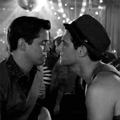 Andrew Rannells and Justin Bartha. Most nauseating couple on television! Love the New Normal! Justin Bartha, Andrew Rannells, Hollywood Men, The New Normal, Great Films, Gay Pride, Cinema, Celebs, Couple Photos